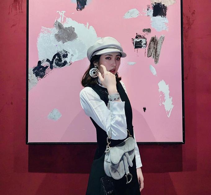 Công chúa Huawei phủ toàn hàng hiệu - 17