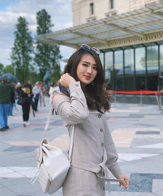 Công chúa Huawei phủ toàn hàng hiệu - 23