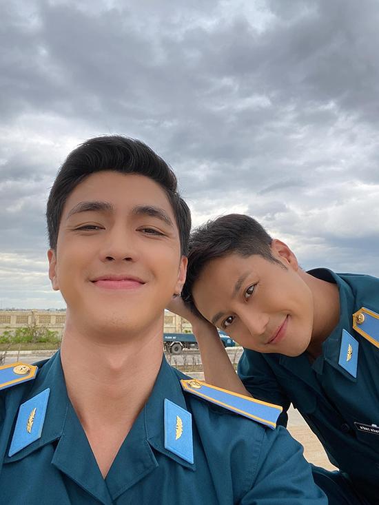 Bình An và Thanh Sơn từ mâu thuẫn trở thành bạn thân trong phim.