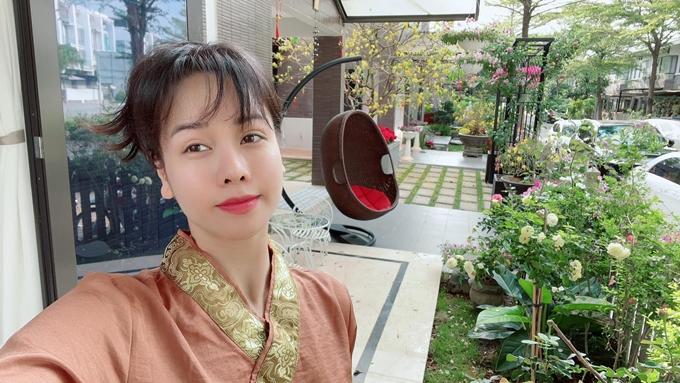 Nhật Kim Anh thường xuyên đăng tải hình ảnh trong khu vườn ở nhà riêng. Cô chia sẻ với Ngoisao.net khu vườn rộng 420 m2.