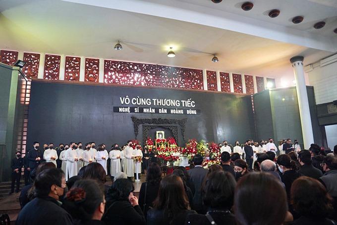 Diễn viên Nhà hát Kịch Hà Nội tái hiện Tiếng đàn vùng Mê Thảo trong lễ truy điệu NSND Hoàng Dũng..
