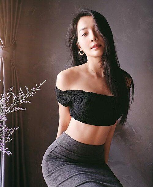 Chụp cho mình xong bảo sexy quá, không đc up... nhưng kệ mình cứ up. Karen Nguyễn chia sẻ về bức ảnh của mình qua ống kính bạn trai Lưu Chấn Bang.