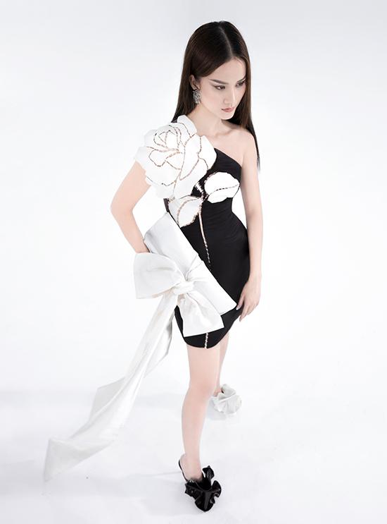 Trần Hùng vẫn tiếp tục tận dụng vải thừa từ các bộ sưu tập cũ để thực hiện loạt tác phẩm mới theo tôn chỉ thời trang bền vững.