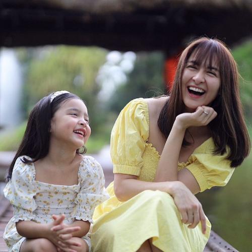 Hạnh phúc ngọt ngào của gia đình mỹ nhân đẹp nhất Philippines - 24