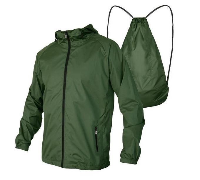 Áo AKD32 của Model Fashion may từ vải dù mỏng, nhẹ, bền, tạo cảm giác thoải mái cho người mặc. Áo thiết kế dây kéo, mũ có dây rút, tay dài bo gấu, hai túi hai bên cũng có dây kéo. Áo có thể xếp thành ba lô. Sản phẩm có ba màu đen, xanh đen, xanh rêu, với các size M dành cho nam 50 - 58 kg, size L hợp với người 59 - 65 kg, size XL cho người 66 - 73 kg. Giá niêm yết 230.000 đồng, giảm 18% còn 188.000 đồng.
