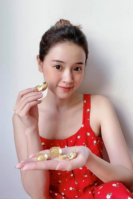 Midu cũng sắm sửa ít vàng trong dịp đầu năm với tâm niệm may mắn, phát tài phát lộc.