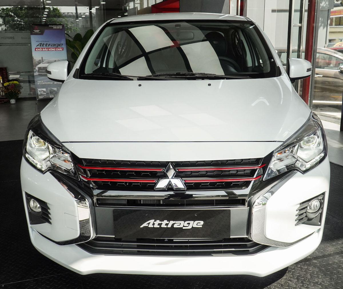 Mitsubishi Attrage Premium CVT tại Hà Nội.