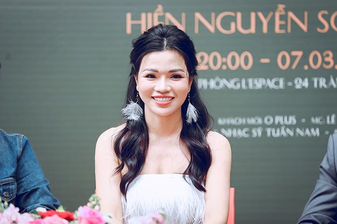 Hiền Nguyễn Soprano tại họp báo giới thiệu liveshow Yêu chiều 22/2.
