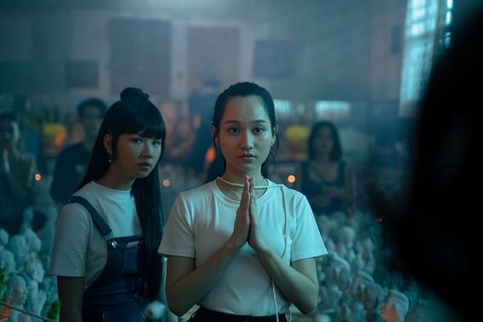 Phim Thiên thần hộ mệnh khai thác đề tài bùa ngải và showbiz.