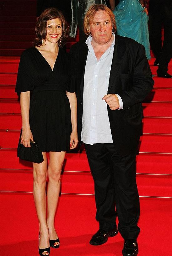 Gerard và bạn gái Clémentine Igou tại liên hoan phim Cannes 2007.