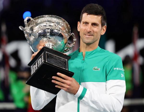 Hôm 21/2, Djokovic lần thứ 9 vô địch Australia Mở rộng 2021 sau khi đánh bại Medvedev ở chung kết và giành danh hiệu Grand Slam thứ 18 trong sự nghiệp, chỉ còn kém hai đối thủ lớn nhất là Nadal và Federer hai danh hiệu. Nole cho biết sau giải đấu anh muốn nghỉ ngơi, hồi phục và dành thời gian cho gia đình sau cả tháng xa vợ con do phải cách ly trước khi thi đấu ở Australia.