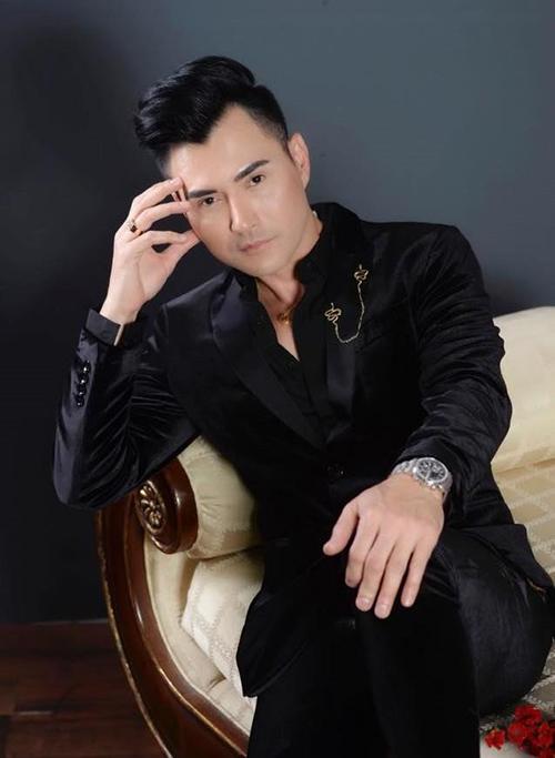 Ca sĩ Leon Vũ.
