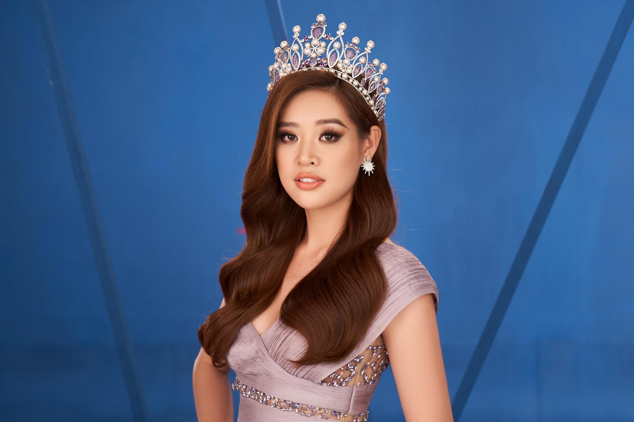 Victory – Hoa hậu Khánh Vân đội vương miện, tự tin khoe sắc với thế giới. Đến thời điểm hiện tại, Khánh Vân sẵn sàng cho Miss Universe 2020.
