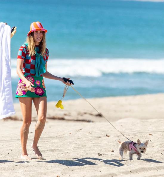 Hailey và Justin chỉ vừa bán biệt thự ở Beverly Hills và chuyển tới ngôi nhà rộng lớn, sang trọng hơn ở Beverly Park, Los Angeles với giá gần 26 triệu USD.