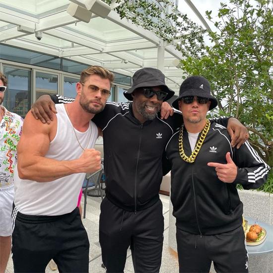 Chris Hemsworth hội ngộ những người bạn Hollywood là tài tử Idris Elba (giữa) và ngôi sao Bourne Matt Damon.