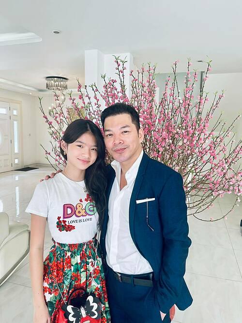 Bảo Tiên hiện sống với mẹ, và được nhận xét có vẻ ngoài giống hệt bố. Trần Bảo Sơn thường xuyên đăng tải hình ảnh bên con gái và cho thấy Bảo Tiên ra dáng thiếu nữ và sắp cao bằng bố.