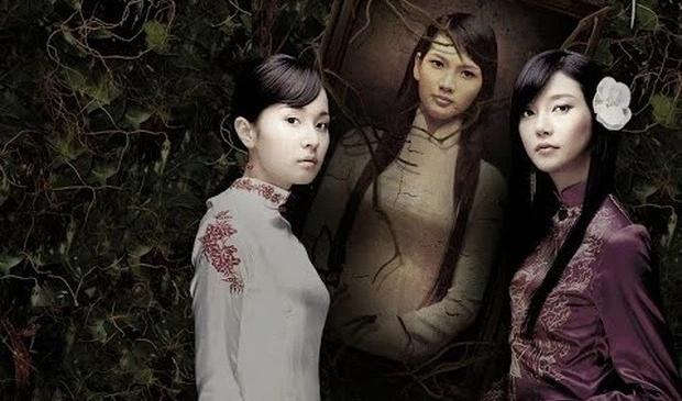 Anh Thư (giữa) và hai diễn viên Hàn Quốc trong phim Mười cách đây 14 năm.