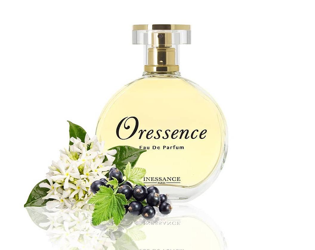 Nước hoa nữ Oressence - Inessance 399.000đ(- 19 %)ước hoa Oressence là sự kết hợp hài hòa của hương hoa vòi voi, hoa xạ hương, gỗ đàn hương, hoa hồng, hoa nhài, hương đào, cam chanh, cam Neroli, quả lý chua đen.Nước hoa nữ Oressence - InessanceNước hoa Oressence là sự kết hợp hài hòa của hương hoa vòi voi, hoa xạ hương, gỗ đàn hương, hoa hồng, hoa nhài, hương đào, cam chanh, cam Neroli, quả lý chua đen. Với thiết kế cổ điển cùng công thức đặc biệt tạo nên một hương thơm đầy lôi cuốn mê hoặc.Sử dụng hàng ngày. Hương thơm có thể lưu lại tới 6 giờ.Bảo quản ở nơi thoáng mát, tránh ánh nắng trực tiếp và xa tầm tay trẻ nhỏ.