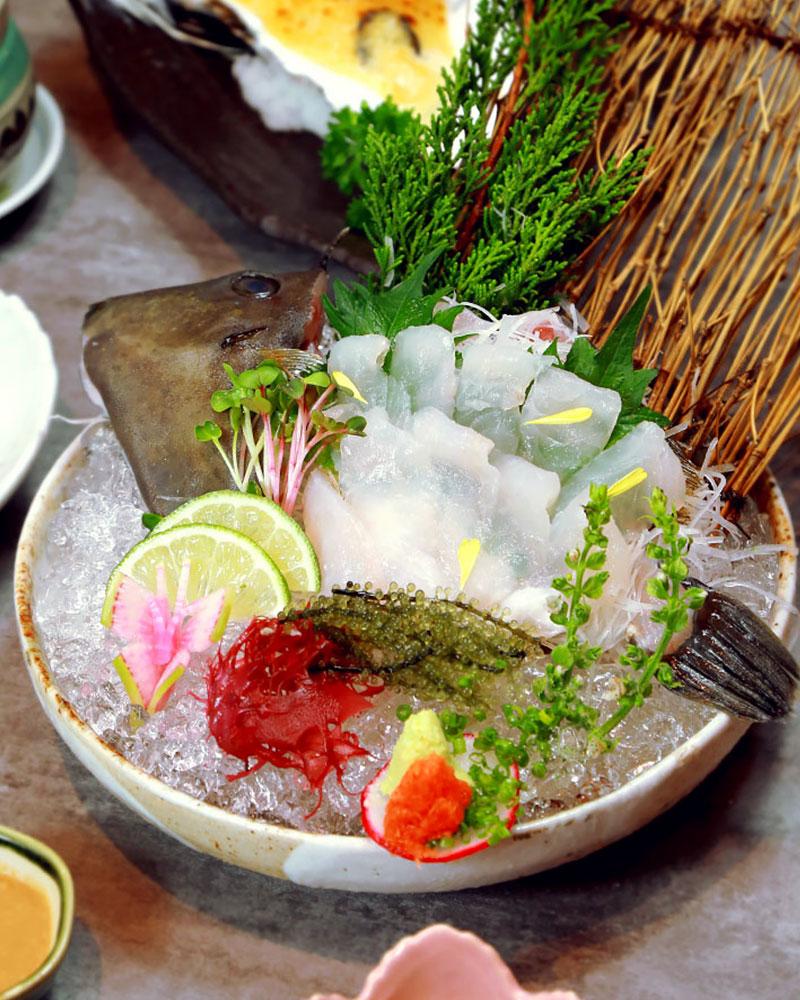 Kawahagi: một loại cá thịt mỏng, có vị kem, thường chế biến thành sushi hoặc sashimi. Cá này được nhận xét là chứa hàm lượng protein cao, ít chất béo, giàu vitamin nhóm B, canxi. Gan của cá là một trong những phần đắt giá nhất với lượng chất béo cao.