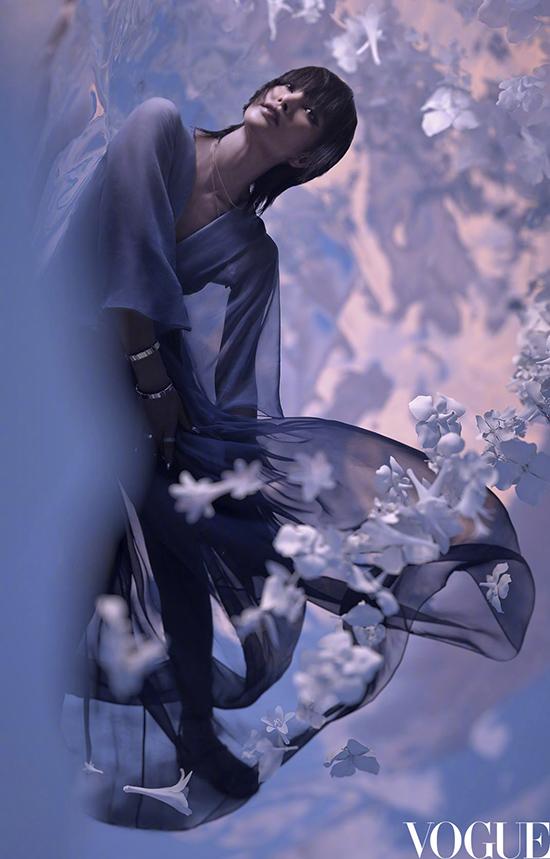 Lý Băng Băng trông giống Trần Khôn trên bìa Vogue - 8