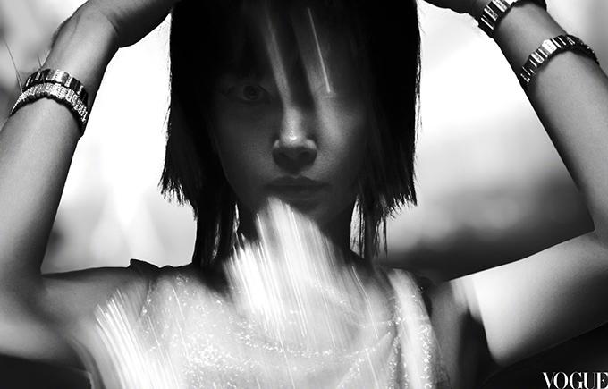 Lý Băng Băng trông giống Trần Khôn trên bìa Vogue - 10