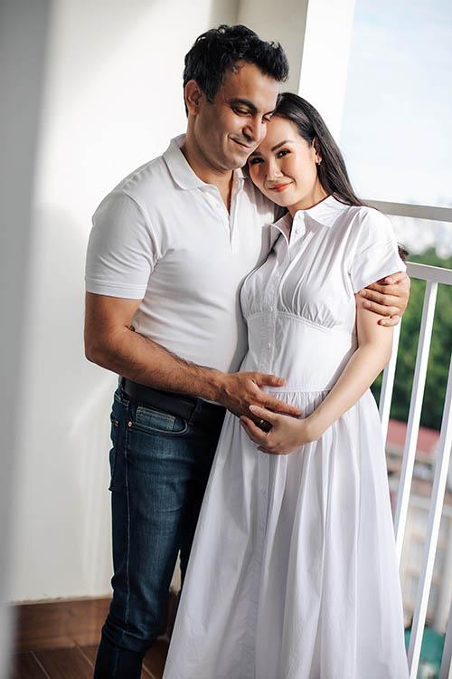 Cô cho biết sẽ ngừng làm việc khi bước sang tháng thứ bảy của thai kỳ để toàn tâm toàn ý nghỉ ngơi, dưỡng thai chờ ngày đón con.