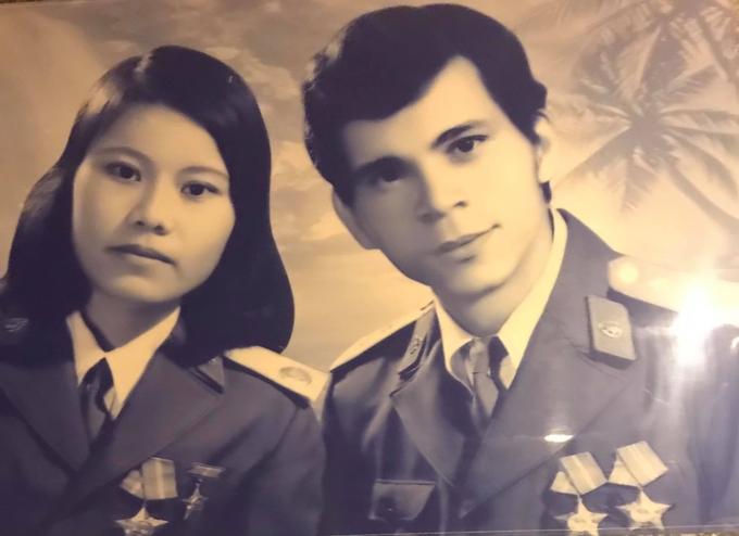 Dịp Tết Tân Sửu, bố mẹ Hồ Ngọc Hà khoe bức ảnh của họ chụp cách đây 40 năm trước.