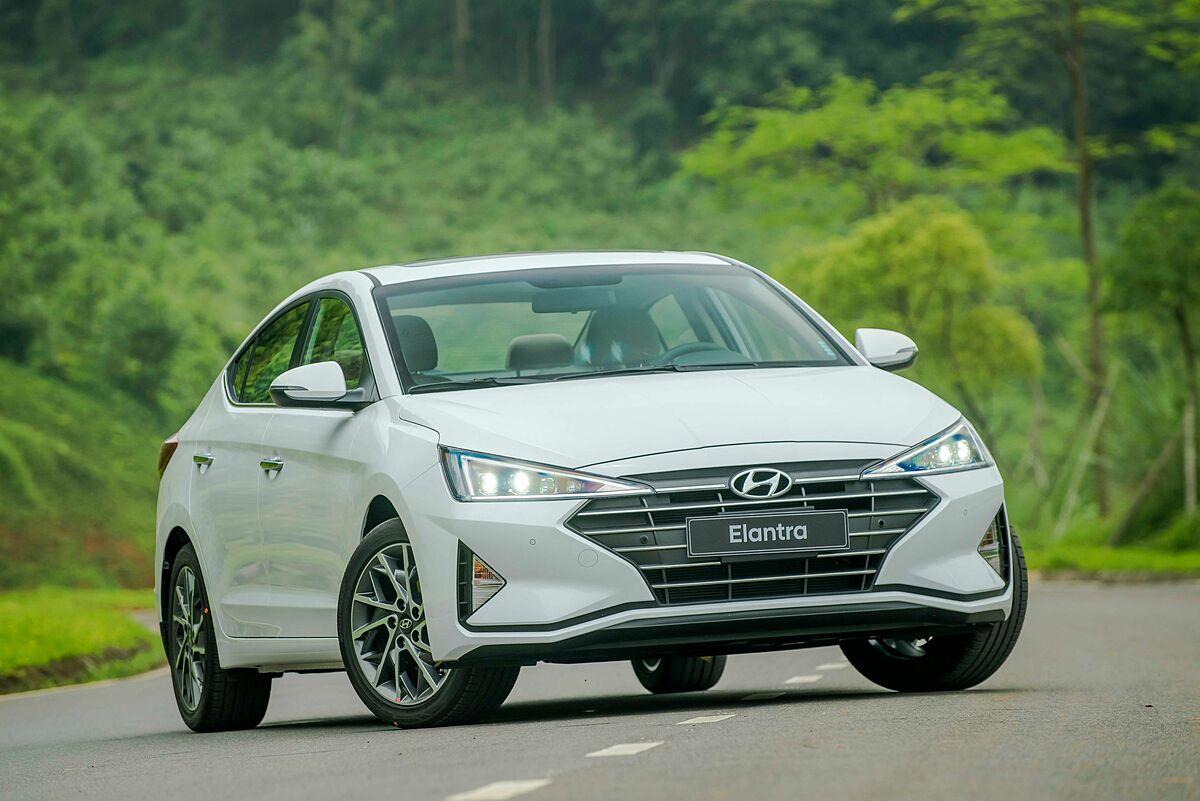 Hyundai Elantra tại Ninh Bình.