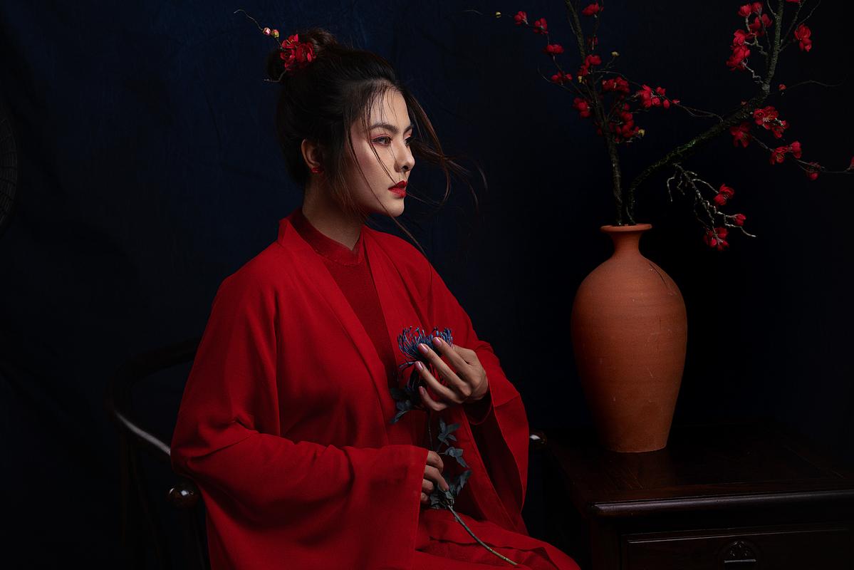 Về đời tư, Vân Trang có một con gái Queenie năm nay lên 5 tuổi. Vợ chồng cô hy vọng sớm có thêm một bé trai để gia đình đủ nếp đủ tẻ.