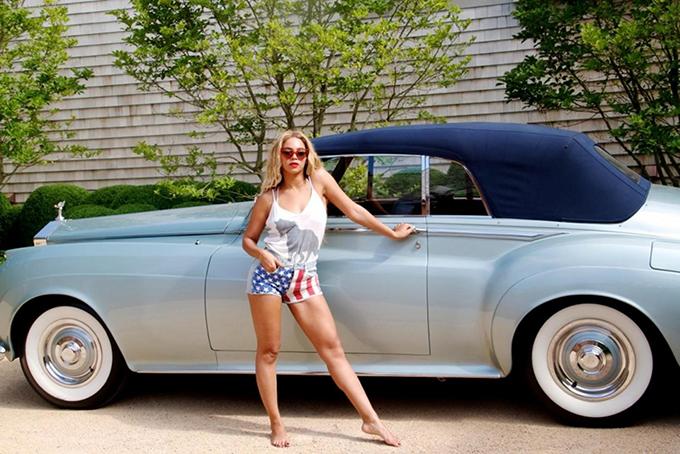 Siêu phẩm Rolls-Royce Silver Cloud Convertible 1959 của Beyonce  là món quà từ ông xã Jay-Z.