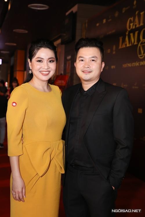 Diễn viên Lê Khánh và ông xã.