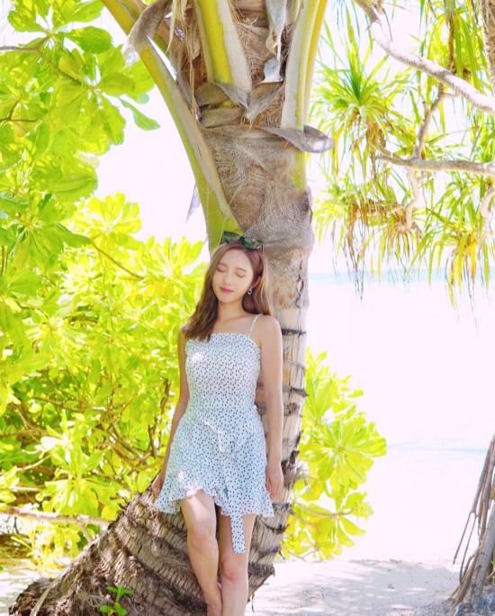 Đời vi vu của nữ thần TVB chân ngắn cặp đại gia - 2
