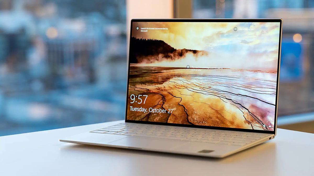 Dell XPS sử dụng hệ điều hành Windows 10. Ảnh: Slickdeal