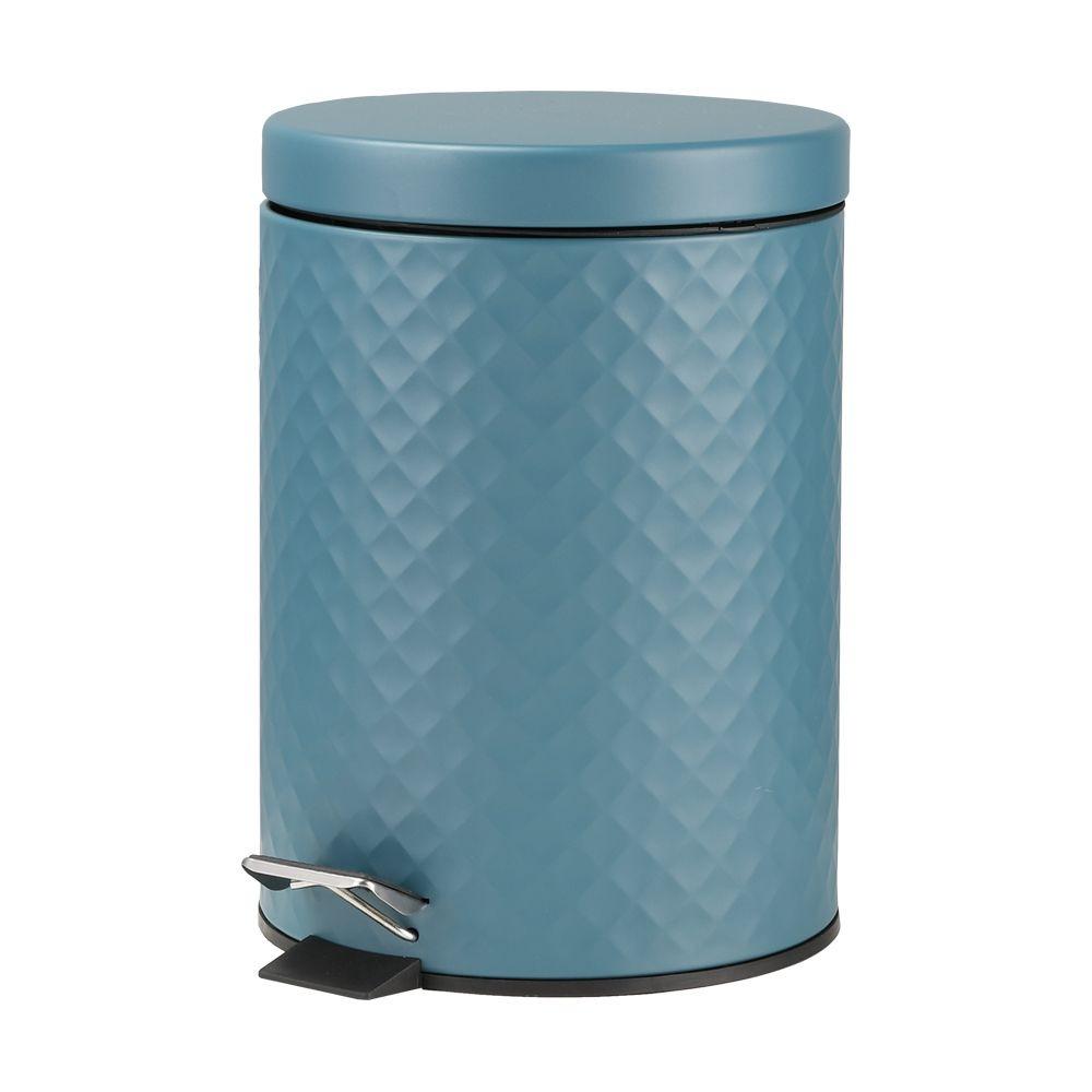 Thùng rác Fiona Index Living Mall có thiết kế đơn giản với màu xanh cổ vịt bắt mắt và hoa văn quả trám, mang lại vẻ thời thượng cho không gian sống. Thùng rác thiết kế dạng đạp để mở nắp, gồm hai lớp, dễ dàng vệ sinh và thay túi rác. Sản phẩm có giá 260.000 đồng, giảm 10% so với giá gốc.
