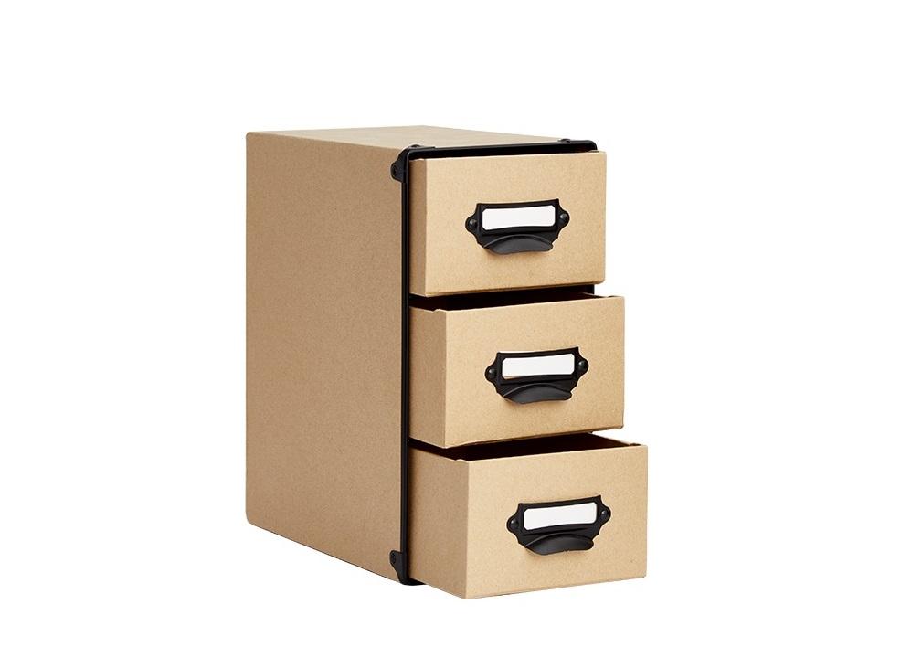 Ở cùng mức giá 260.000 đồng, bạn có thể sở hữu hộp văn phòng phẩm Cargo Index Living Mall với tông màu gỗ tự nhiên bắt mắt. Hộp gồm ba ngăn, kèm tay cầm tiện lợi. Chất liệu giấy giúp hộp có khối lượng nhẹ, kích thước nhỏ gon, có thể đặt trên bàn làm việc hoặc đầu giường.