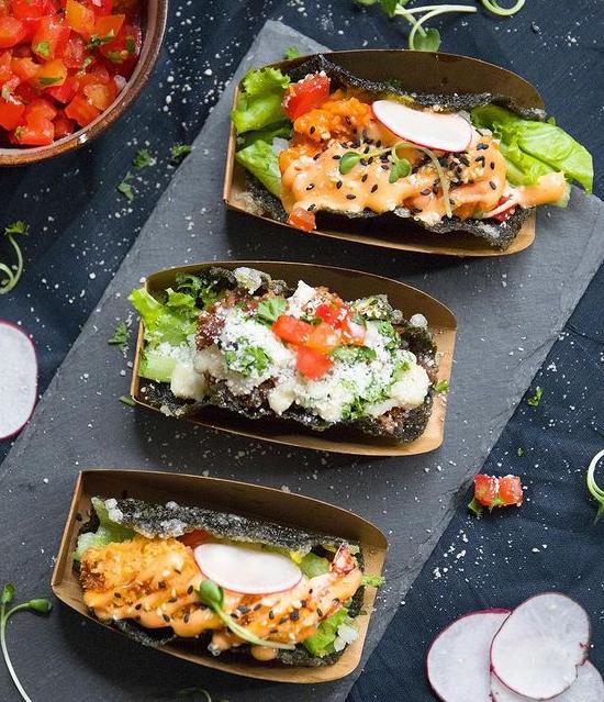 Nhà hàng của Huy Trần chủ yếu hướng tới các món ăn healthy có lợi cho sức khỏe với các thành phần bổ dưỡng. Ngoài ra, khâu bày biện trang trí cũng rất được chú trọng.