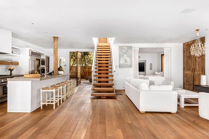 Pamela tâm sự cô rất thích trang trí nhà cửa và thiết kế chỉn chu từng góc nhỏ.