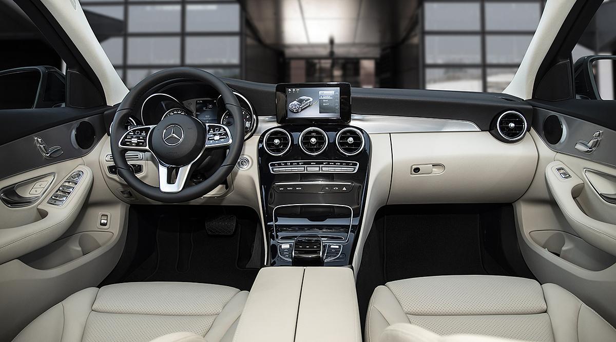 Nội thất chiếc sedan của Mercedes.