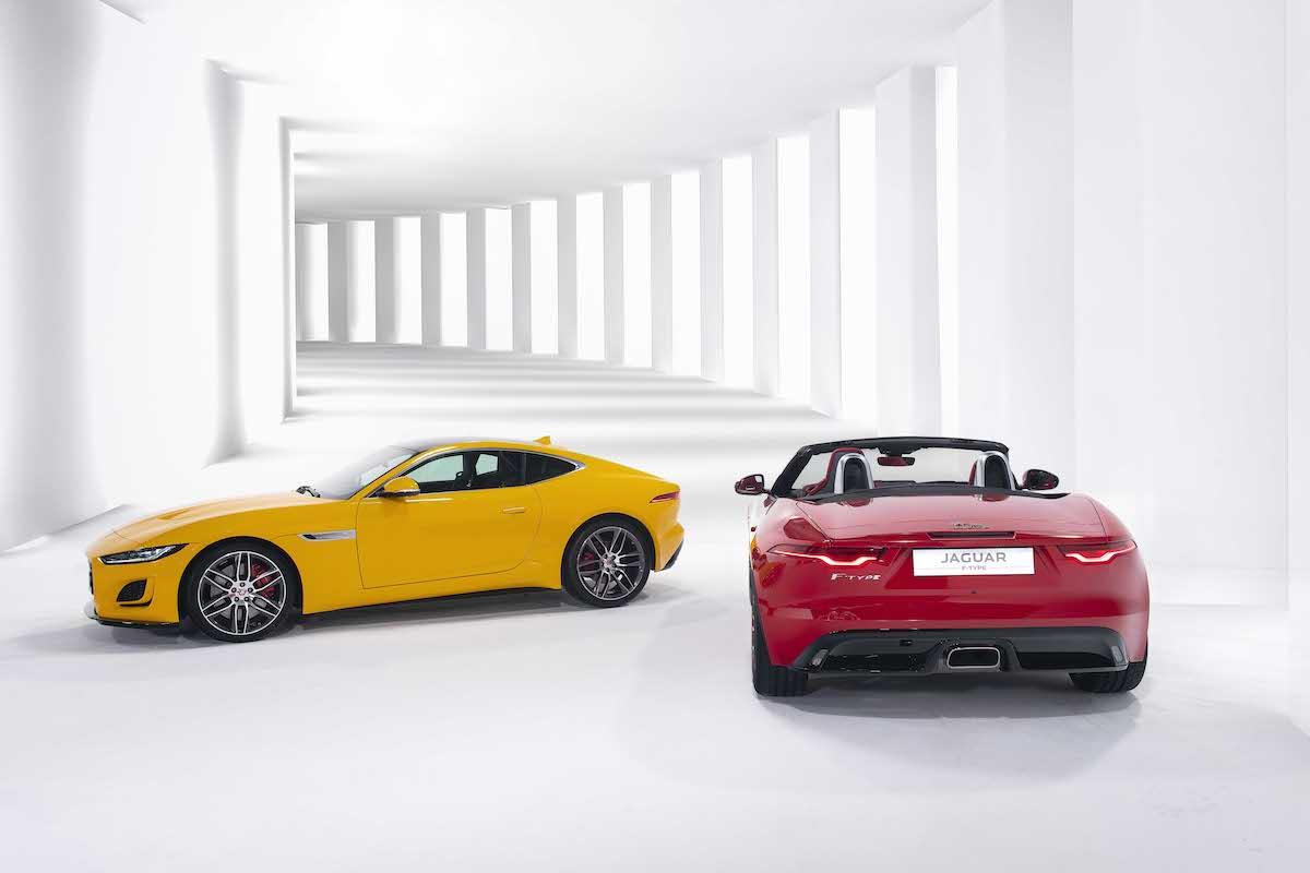 Hai mẫu Jaguar F-Type mui cứng và vui trần.