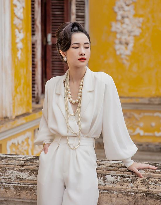 NTK Nguyễn Phúc Tuấn cho biết, việc nhận lời thiết kế trang phục cho ba diễn viên Jun Vũ, Ngọc Trân và Trang Hý là một áp lực không nhỏ bởi đây là lần đầu anh tham gia sáng tạo trong một phim điện ảnh.