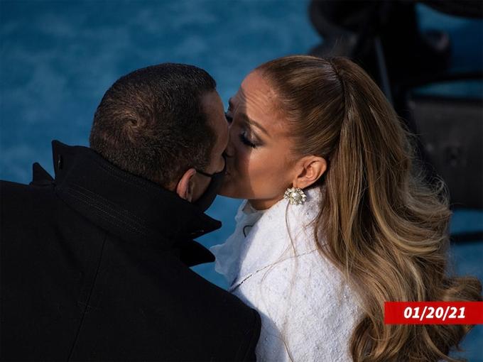Cặp đôi vẫn bên nhau hồi tháng 1, tại lễ nhậm chức của Tổng thống Joe Biden.