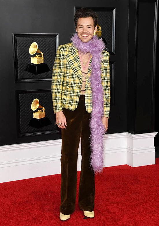 Harry Styles giúp khăn lông gây sốt