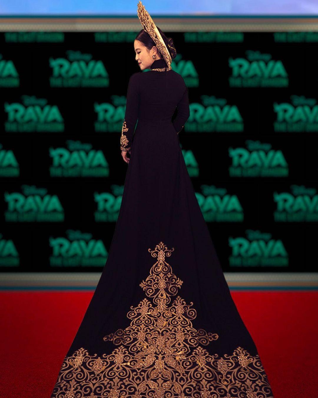 Kelly Marie Trần diện áo dài tại sự kiện ra mắt Raya and the Last Dragon.
