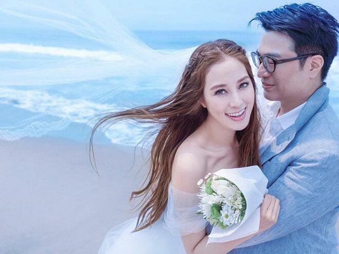 Từ Tử Kỳ kết hôn với Lý Gia Thành - con trai của tỷ phú Hong Kong Lý Triệu Cơ.