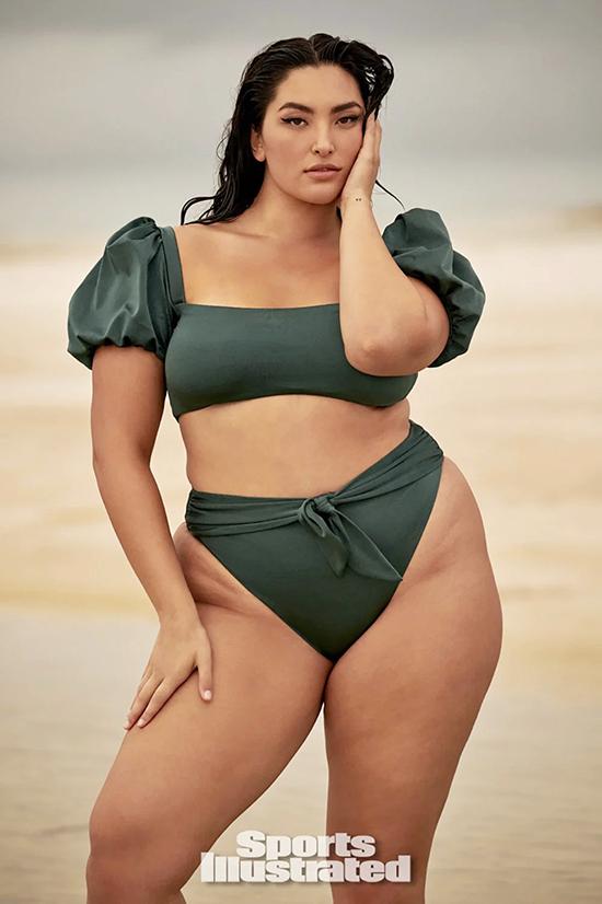 Mẫu béo gốc Á đầu tiên xuất hiện trên tạp chí áo tắm nổi tiếng