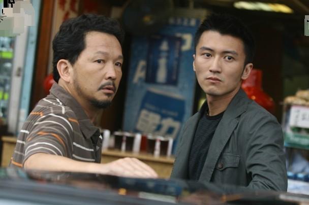 Liệu Khải Trí trong phim đóng cùng Tạ Đình Phong...