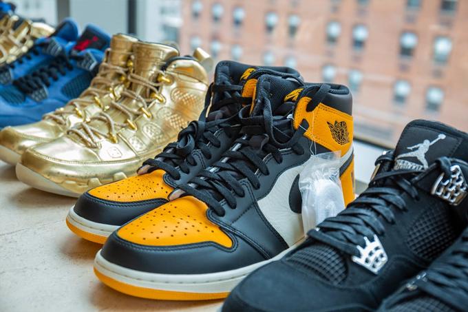Những đôi giày phiên bản giới hạn được Sotheby's giới thiệu trên website. Ảnh: Sotheby's.