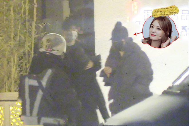 Triệu Vy và Kha Dục Doanh xuất hiện tối 23/3.