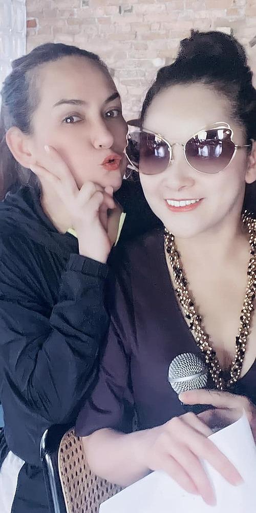 Phi Nhung hội ngộ ca sĩ hải ngoại Như Quỳnh.