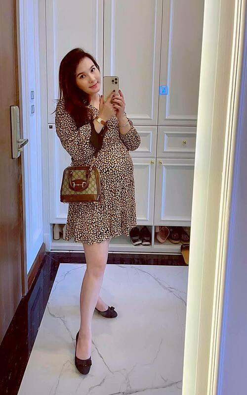 Diễn viên Bảo Thanh khi ở tháng cuối của thai kỳ và tiết lộ vẫn hồi hộp như lần đầu sinh con.